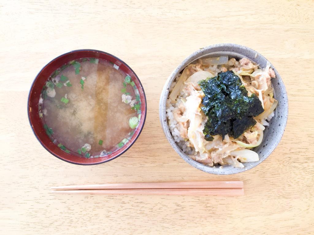 あるものご飯レシピ。ツナ白菜丼