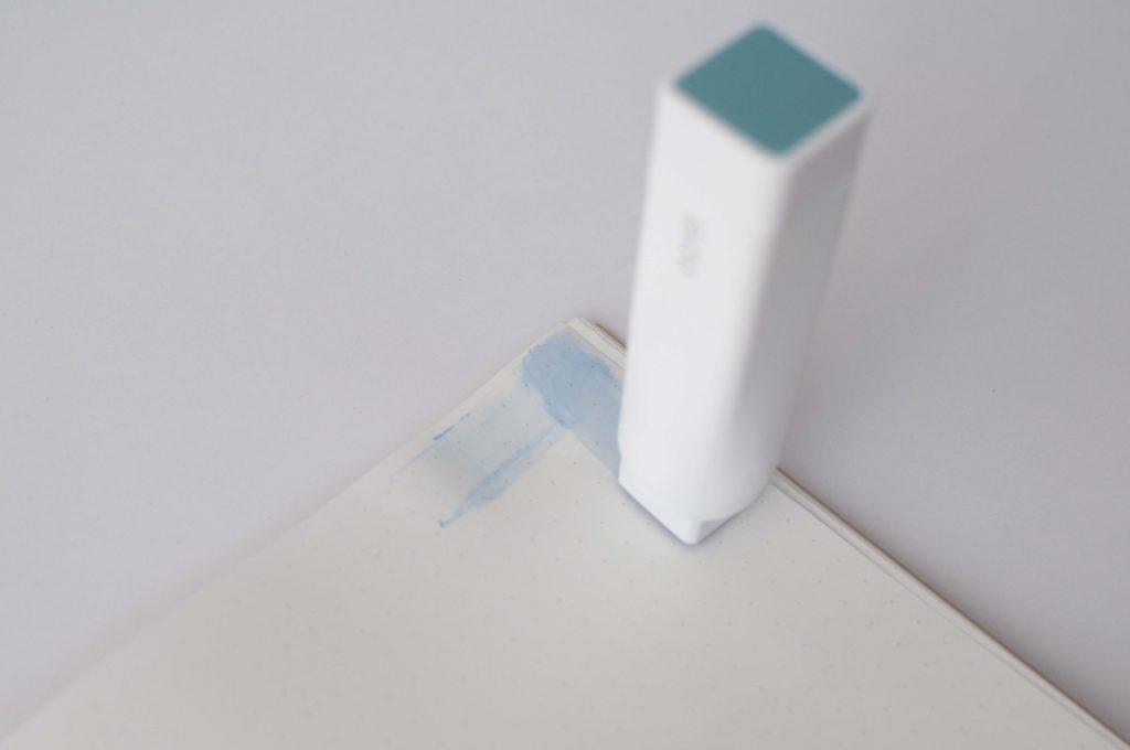 KOKUYO GLOO(グルー)色が消えるタイプ 角の塗り事例