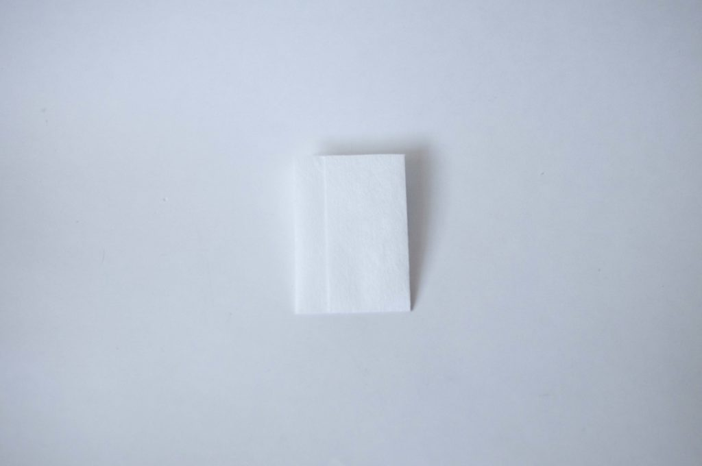 無印良品・携帯用メガネ拭き(1枚全体イメージ)