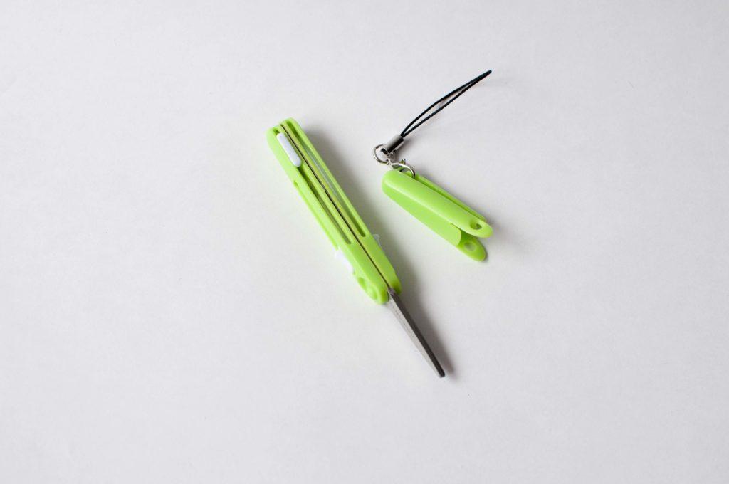 Raymay・ペン型はさみペンカット・ミニ(キャップを外した状態)